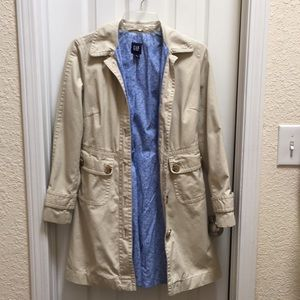 Gap Size XS Raincoat, Used.